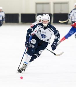 Robin Hellqvist förlänger med IFK Rättvik bandy